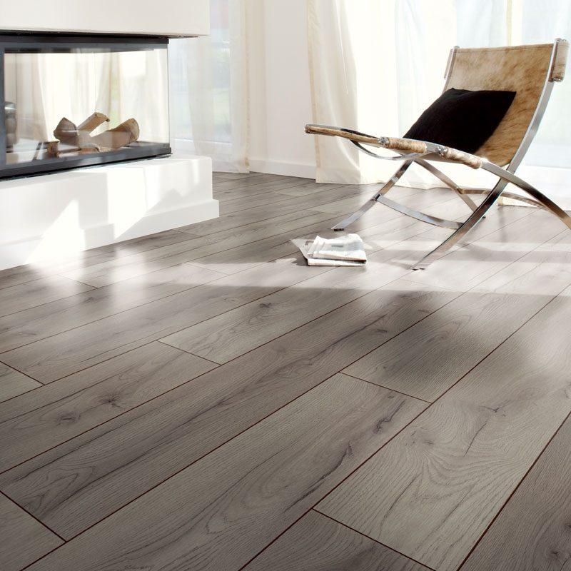 1867-authentic-8-mm-ac4-laminated-wood-floor